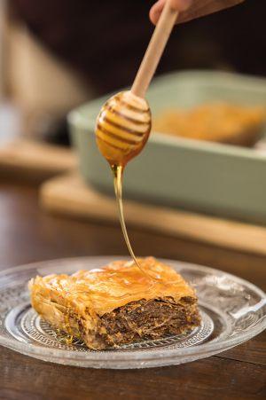 Σουσαμόπιτα Χαλκιδικής με το καλύτερο ελληνικό μέλι